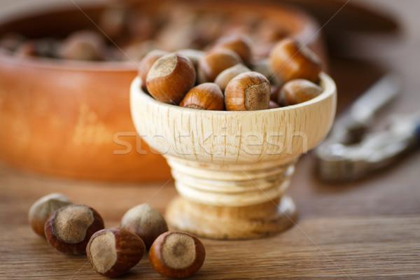 Stockfoto: Hazelnoot · vers · hazelnoten · shell · houten · tafel · voedsel