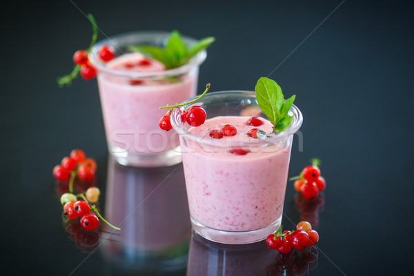 Stock photo: smoothie with red currants