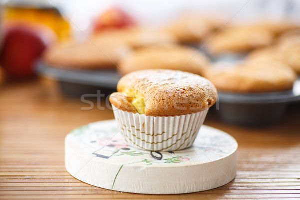 Honing muffins zoete poedersuiker houten tafel Pasen Stockfoto © Peredniankina