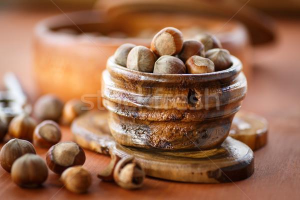 Nocciola fresche shell tavolo in legno alimentare Foto d'archivio © Peredniankina