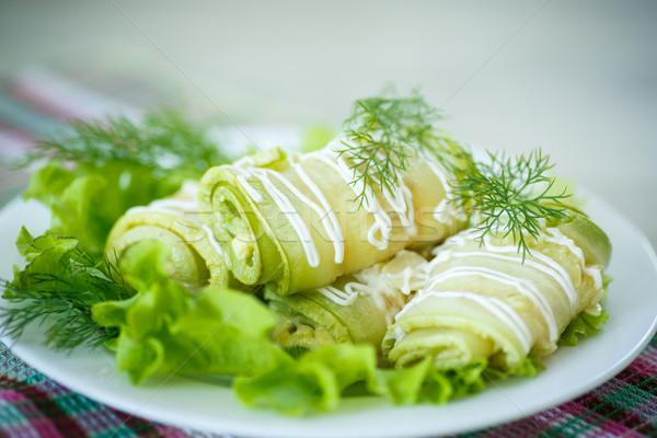 Cukinia ser zielenina tle Zdjęcia stock © Peredniankina