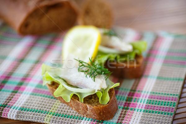 Sándwich salado lechuga mesa alimentos pan Foto stock © Peredniankina