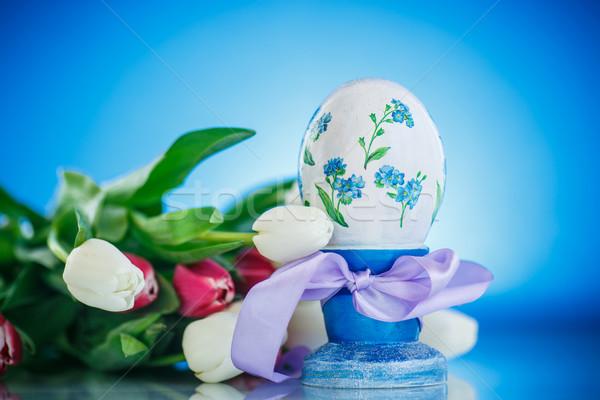 Dekoratív húsvéti tojás virágcsokor tavasz tulipánok kék Stock fotó © Peredniankina