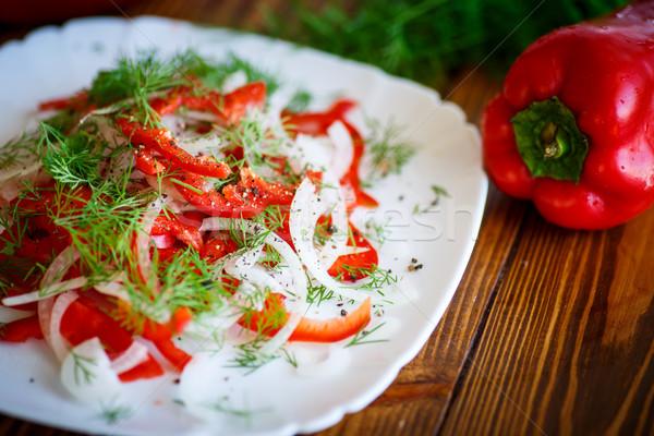 Salada fresco pimentas cebolas mesa de madeira madeira Foto stock © Peredniankina