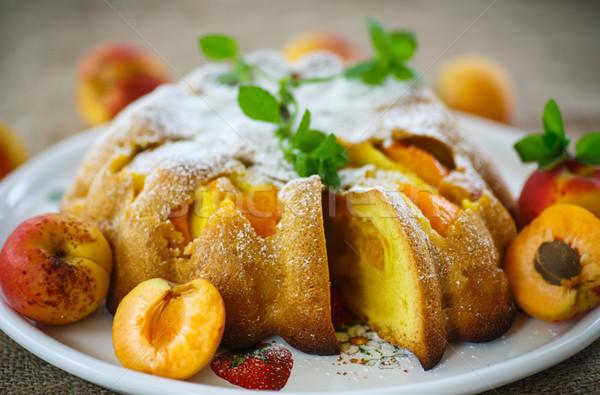 Piskóta sárgabarack porcukor étel torta tányér Stock fotó © Peredniankina