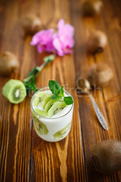 Grieks yoghurt kiwi glas voedsel oranje Stockfoto © Peredniankina