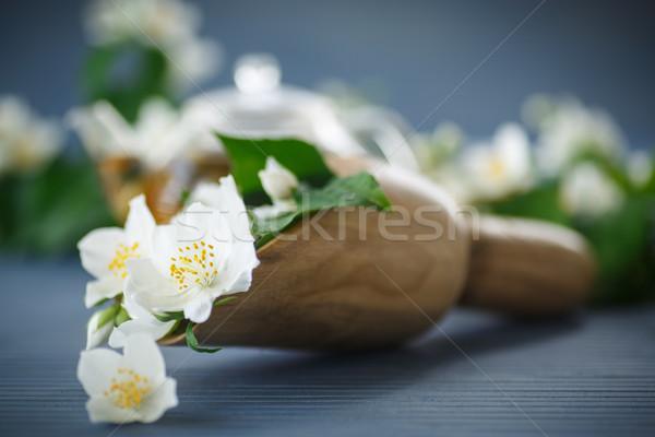 şube ahşap masa çiçek gıda yaprak Stok fotoğraf © Peredniankina