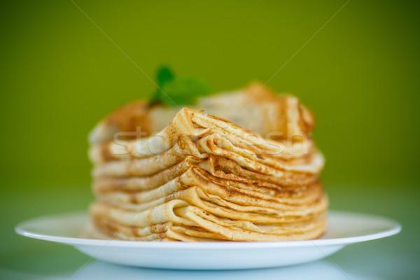 Muchos delgado placa verde alimentos Foto stock © Peredniankina