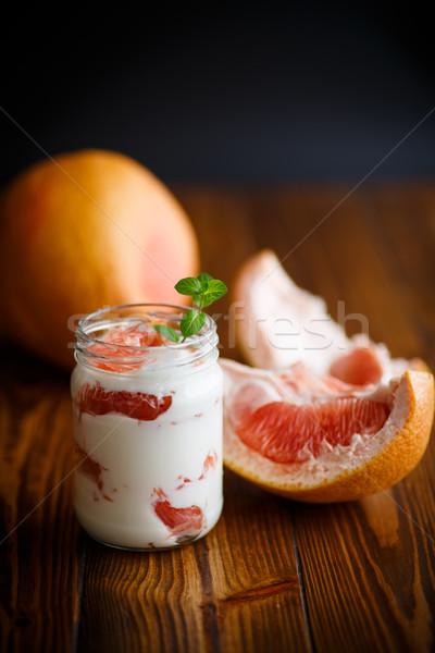 Grego iogurte toranja preto vidro fundo Foto stock © Peredniankina