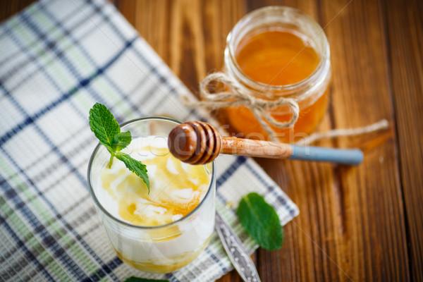 Grieks yoghurt honing glas voedsel achtergrond Stockfoto © Peredniankina