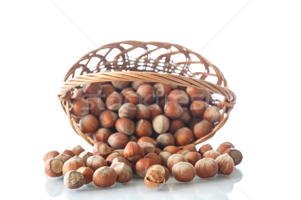 Wiklina koszyka biały owoców tle Zdjęcia stock © Peredniankina