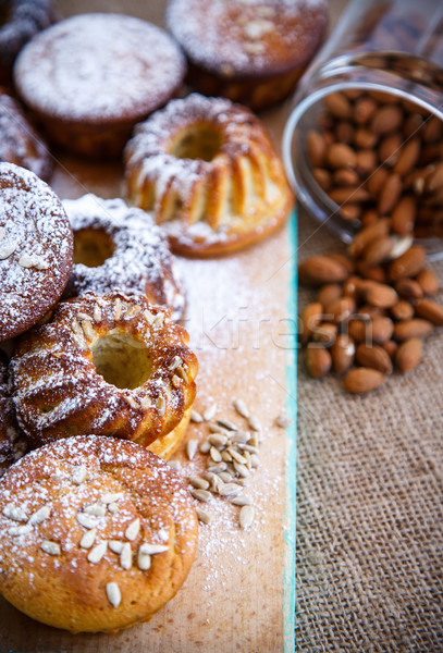 Kaas muffins zoete cottage cheese walnoot poedersuiker Stockfoto © Peredniankina