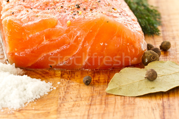 Salado salmón sal pimienta especias peces Foto stock © Peredniankina