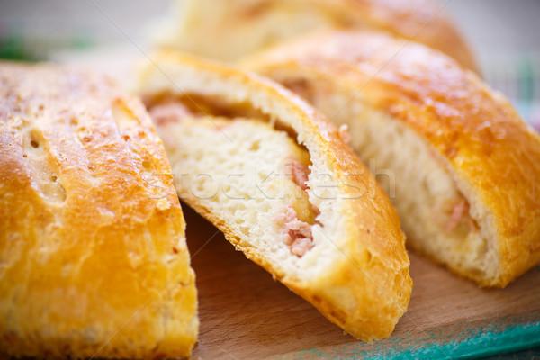 Ekmek doldurulmuş peynir sosis sandviç Stok fotoğraf © Peredniankina