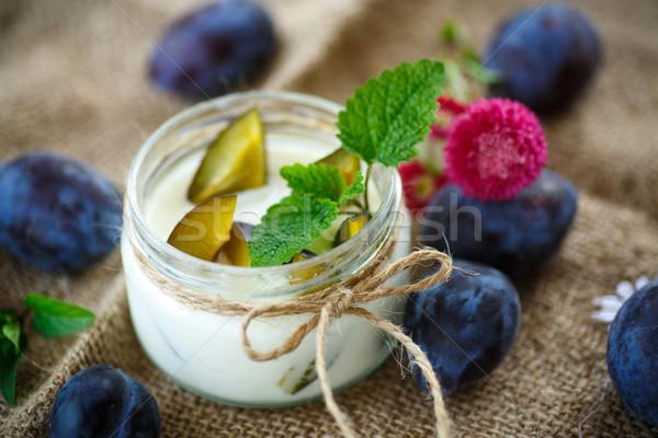 édes tej joghurt friss szilva üveg Stock fotó © Peredniankina