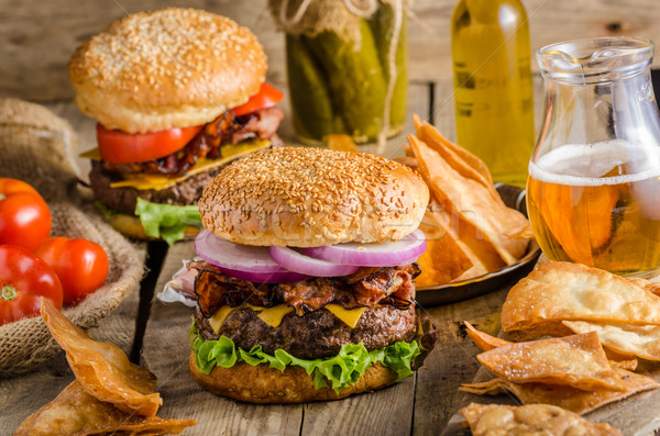 Stock fotó: Amerikai · rusztikus · hamburger · szalonna · cheddar · marhahús