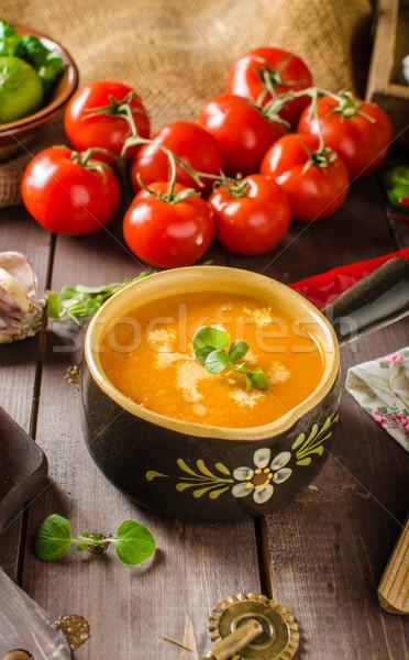 Kremsi domates çorbası sarımsak domates yaprak Stok fotoğraf © Peteer