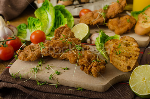 Mini pollo piernas carne frescos ensalada Foto stock © Peteer