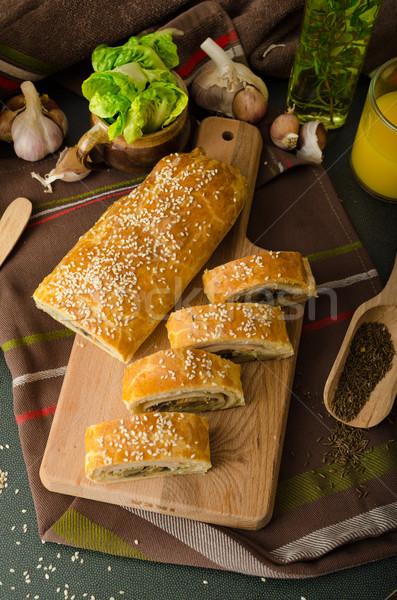 Rodar fuera relleno setas queso Foto stock © Peteer