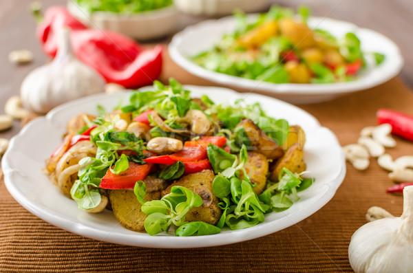 Nyár burgonyasaláta saláta hagyma diók kicsi Stock fotó © Peteer