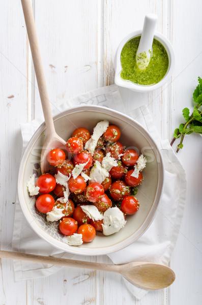 Tomate cherry ensalada pesto mozzarella frescos hierbas Foto stock © Peteer