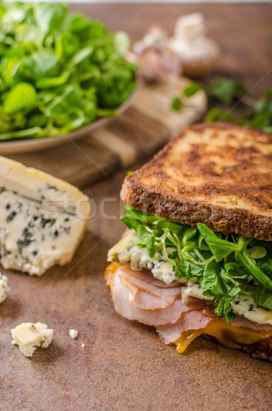 Stok fotoğraf: Fransız · tost · rokfor · salata · jambon · lezzetli