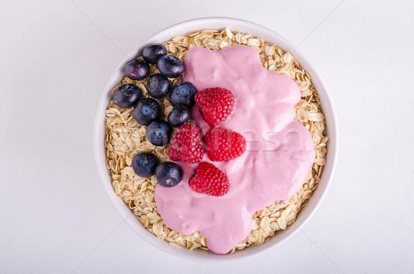 Tazón yogurt bayas leche desayuno foto Foto stock © Peteer