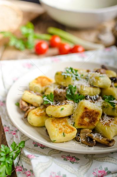 Croccante funghi erbe parmigiano alimentare Foto d'archivio © Peteer