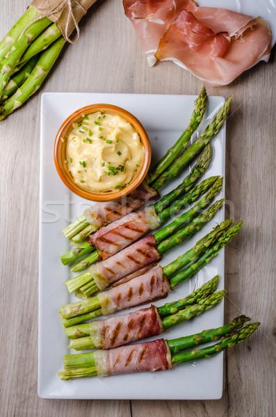 Espargos grelha bacon casa maionese primavera Foto stock © Peteer
