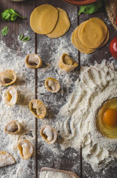 Házi készítésű tortellini pesztó töltött sajt vacsora Stock fotó © Peteer