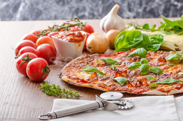 Sajt pizza chilli bazsalikom friss paradicsom Stock fotó © Peteer