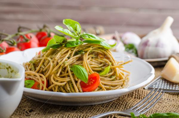 Pasta milaan pesto basilicum noten knoflook Stockfoto © Peteer