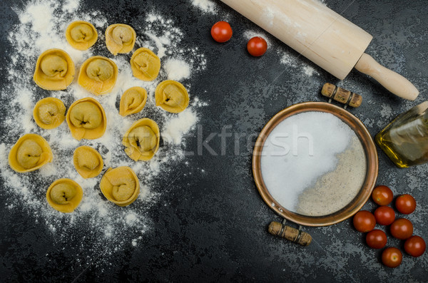 Maison pâtes tortellini bourré champignons ail Photo stock © Peteer