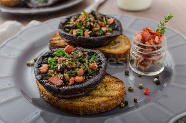 Gevuld kruiden spek knoflook geroosterd knoflookbrood Stockfoto © Peteer