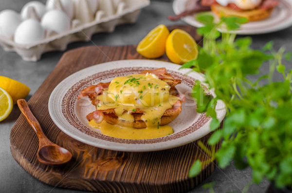 Oeufs lard sauce alimentaire oeuf pain Photo stock © Peteer