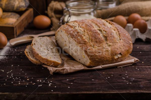 Domowej roboty chleba produktu Fotografia selektywne focus Zdjęcia stock © Peteer