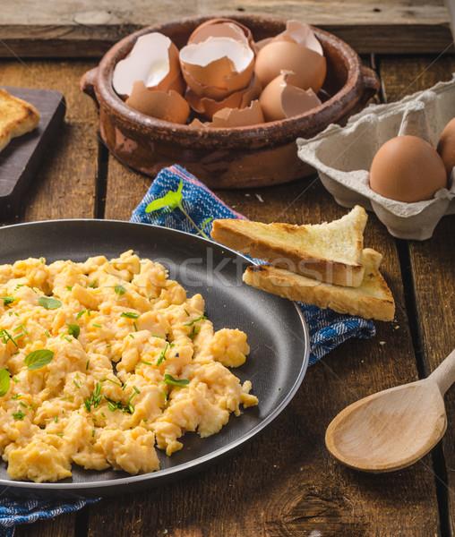 Roereieren rustiek stijl toast kruiden voedsel Stockfoto © Peteer