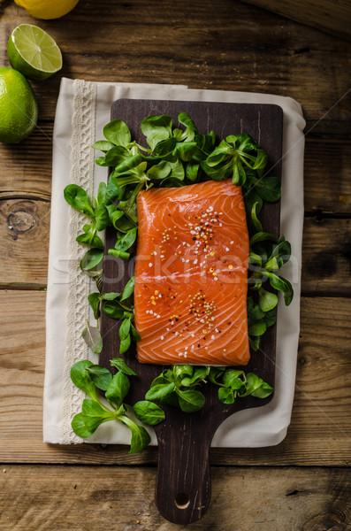 Fresco salmão salada peixe proteína Foto stock © Peteer