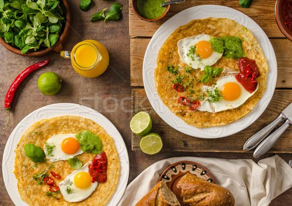 Delicioso alimentos huevos frescos ensalada hierbas Foto stock © Peteer