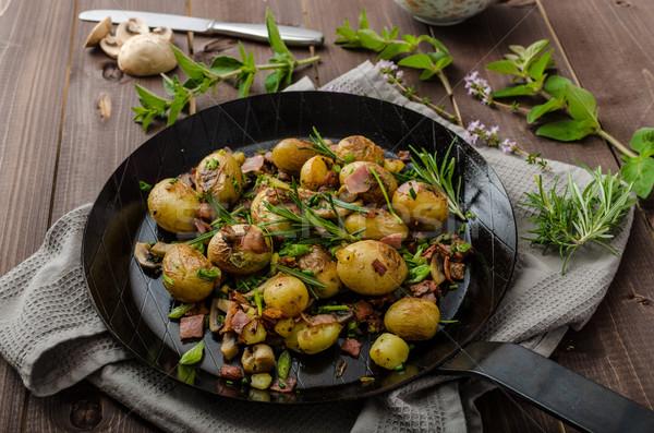 Kovboy patates domuz pastırması otlar yeni gıda Stok fotoğraf © Peteer