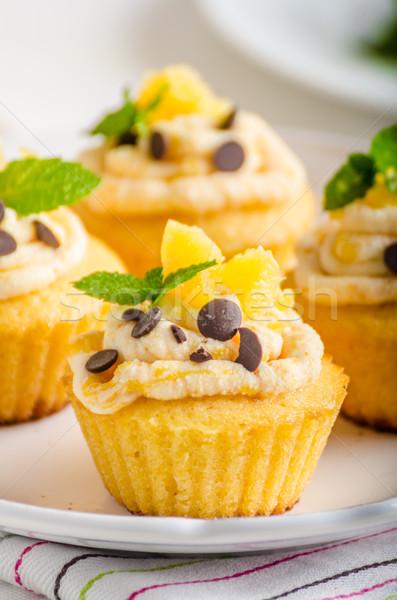 Gyümölcs muffinok gyönyörű narancsok narancslé menta Stock fotó © Peteer