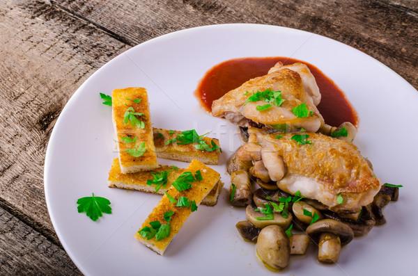 Csirkemell vörösbor gombák gyógynövény étel tojás Stock fotó © Peteer