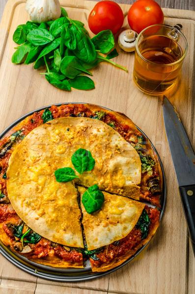 вегетарианский плоская маисовая лепешка соус болоньезе шпинат чеддер Сток-фото © Peteer