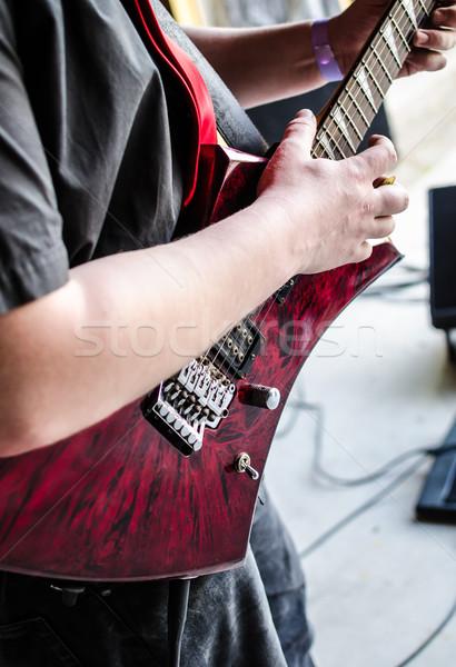 Müzisyen bas gitar konser odak eller Stok fotoğraf © Peteer