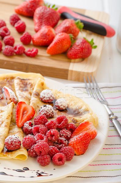 パンケーキ 自家製 削減 新鮮果物 イチゴ ストックフォト © Peteer