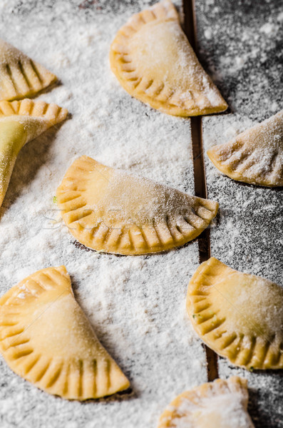 自家製 トルテッリーニ ペスト 詰まった チーズ ディナー ストックフォト © Peteer