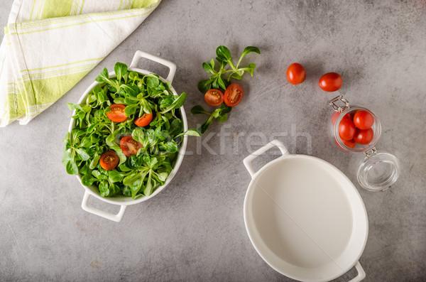 Stok fotoğraf: Kuzu · marul · salata · domates · otlar · gıda