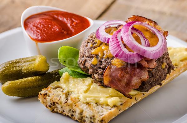 Сток-фото: домашний · говядины · Burger · бекон · чеддер · сыра