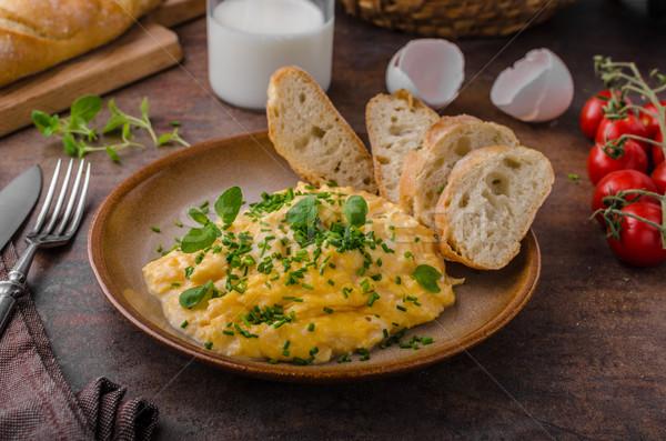 Roereieren kruiden toast melk achter tabel Stockfoto © Peteer