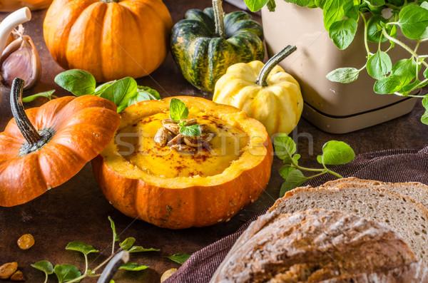 Romig pompoen soep vers brood halloween Stockfoto © Peteer